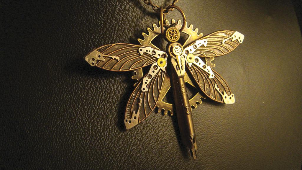 'Dragonfly' Pendant