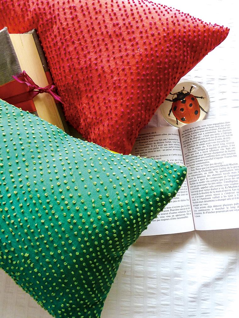 Knot-stitch-cushions-