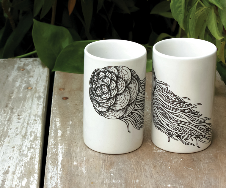 Medusa Stoneware Collection - Plates and Tumblers