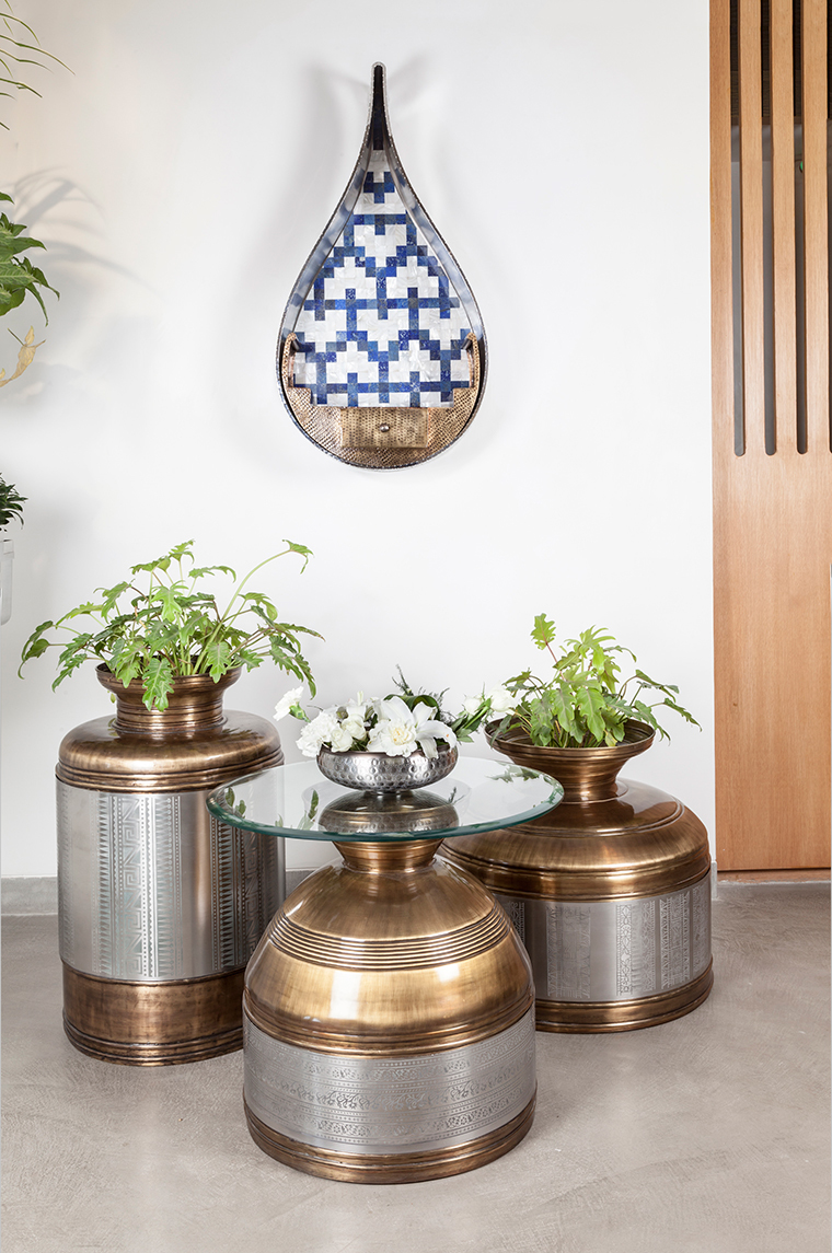 Kutch Planters and Adalaj shelfs for Arttdinox