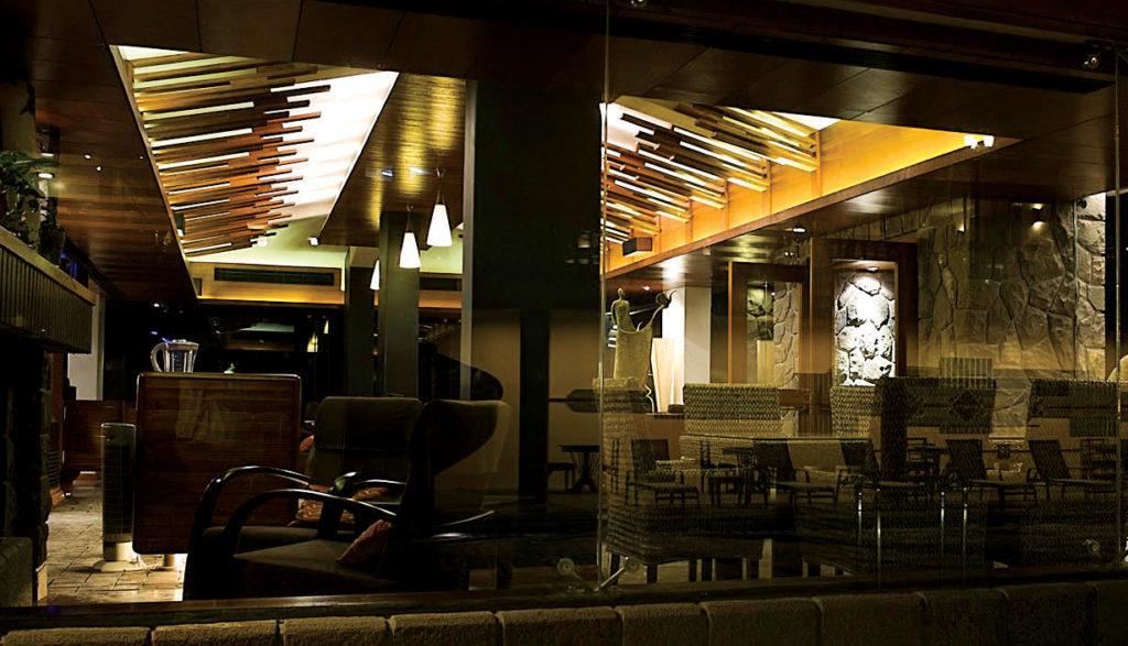 Over the Edge Lounge, Mahabaleshwar