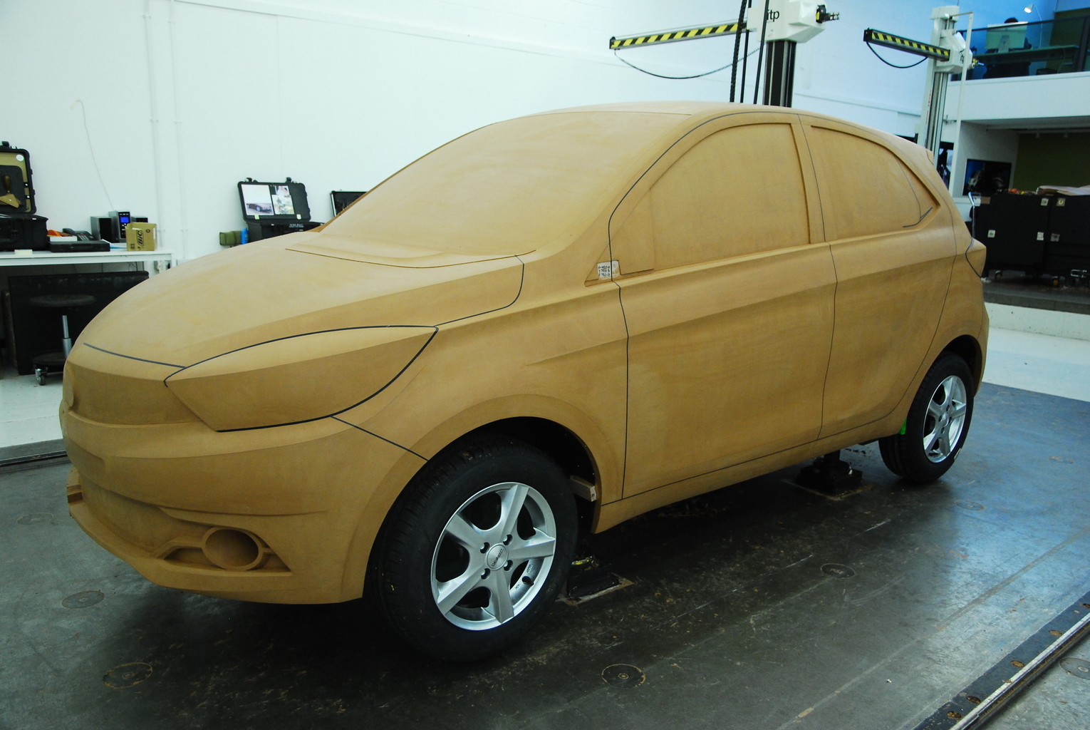 tiago_full_scale_clay_model
